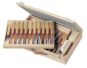 Komplet rzeźbiarski PFEIL w drewnianej walizce - 25 cz. - HBS 25